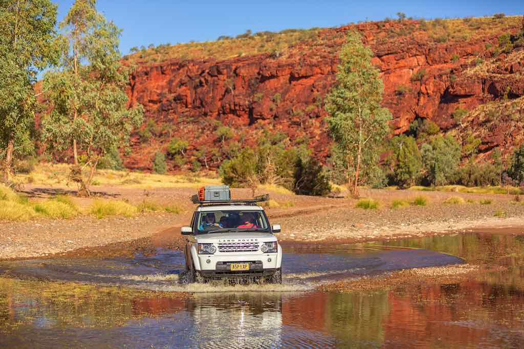 Driving through the Finke Gorge region