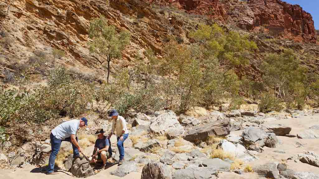 Ruby Gap - East MacDonnell Ranges studying the geology